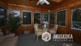 Cedar Muskoka Room with jalhousie windows