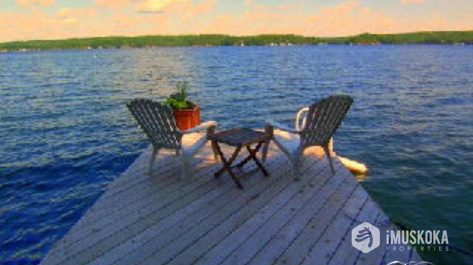 Spectacular Views Great views of Lake Rosseau across to Skeleton Bay. Central Rosseau