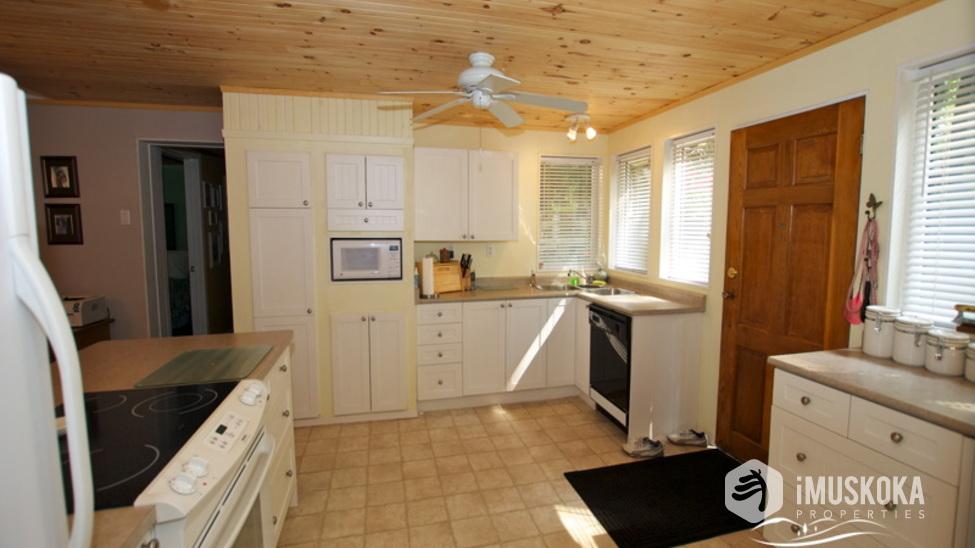 New Kitchen airy kitchen to entertain