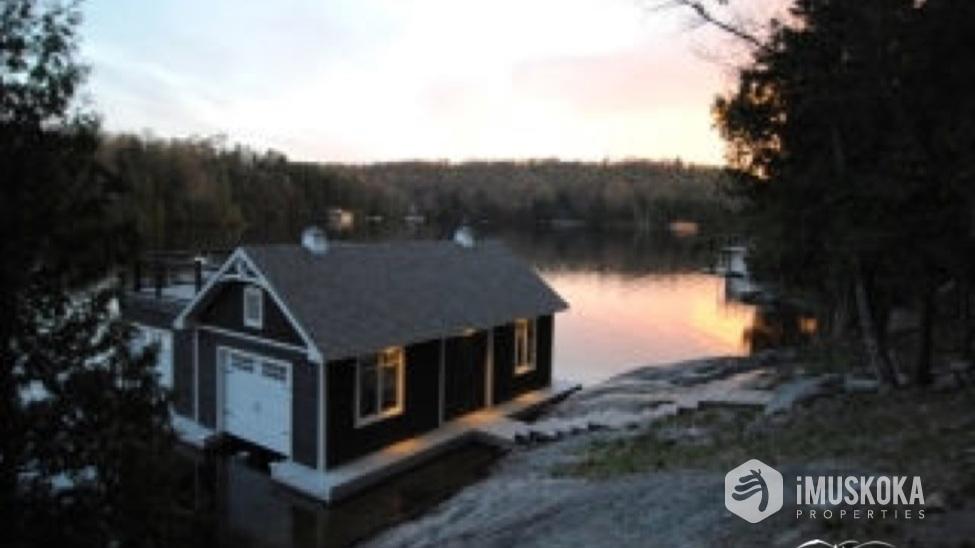 Calm Waters Beautiful sunsets on Sucker Bay, Lake Rosseau