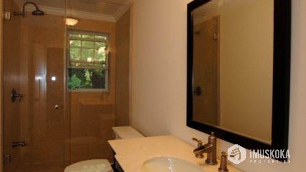 Guest Bath exquisit bathroom