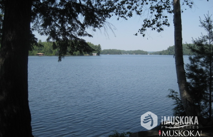 Lake Rosseau with 551' & 23 Acres