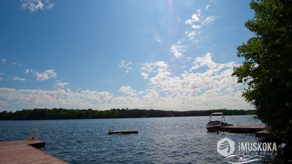 Great Views Overlooking Beautiful Lake Muskoka